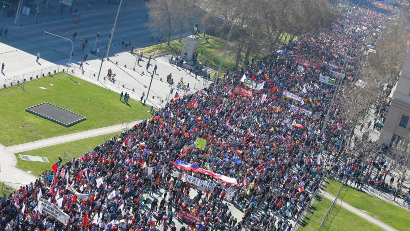 Das geht uns an: 1 Million Chilenen demonstrieren gegen private Rentenfonds